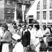 Ausflug von Geinsheimern mit den Pfarrern Max Heintz und Herrmann Groß