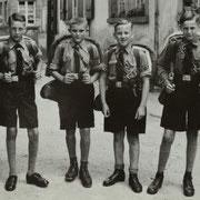 v.l. Werner Reis, Otto Funk, Günter Stadler, Friedel Sprißler im Zeltlager bei Grünstadt 1937