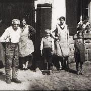 Eduard Kästel und Familie wohnhaft in der Gäustraße