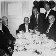 v.l. Franz kästel, Thomas Engler, Chritoph Wächtler, Wilhelm Ohmer, Bürgermeister Karl Schneider und Alfons Manger, Jean Rößler und Anna Manger