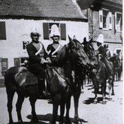 Kriegerfest 1935 mit Rudolf Henrich und Jakob Weber im Vordergrund