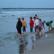 der Kältetest ! 5 Min. später waren alle im Wasser