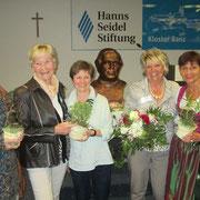 Gemeinschaftsfoto von links nach rechts: Uschi Plößl, Ingrid Scharl, Irmgard Stadler, 1.Vorsitzende LVB Ingeborg Pongratz, Evelin Hensel 2.Vorsitzende LVB