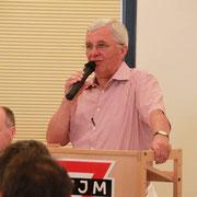 Präses Karl-Heinz Stengel begrüßt zur außerordentlichen Mitgliederversammlung