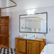 'C Suite' - Bathroom