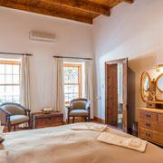 Suite 'Watsonia' - Bedroom
