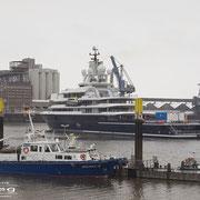 Wendebecken - Februar 20010 - LUNA Länge: 115m; Breite: 18m - Probefahrt der Lloydwerft Bremerhaven