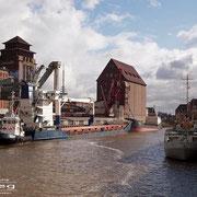 Holz- und Fabrikenhafen März 2010 - BLUE SPIRIT Länge: 93m; Breite: 16m