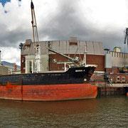 Holz- und Fabrikenhafen