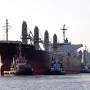 Industriehafen - August 2009 - STIER, GROHN und die BLEXEN beim Wendemanöver der SMARTY