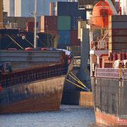 Holz- und Fabrikenhafen Oktober 2010 - Einparken für Fortgeschrittene