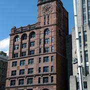 der erste Wolkenkratzer von Montréal