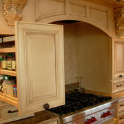 Spric Pull-Out Wall Cabinet