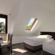 Alle Hotelbetten sind moderne Boxspringbetten und können auch zusammen geschoben werden.
