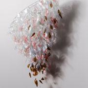 Kronleuchter II, 2015, Plastikflaschen (recycelt), Draht, 75 x 75 x 90 cm