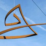 Balance 7, hängend, rostig, Stahl 90 x 50 cm