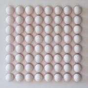 BUZZER 2020 Biskuit-Porzellan, Neon & Acryl auf MDF 70 x 70 x 6 cm