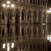 Acqua Alta Dogenpalast