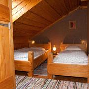1er étage: 2 pet. lits côte à côte
