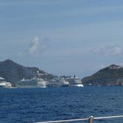 Antigua Harbour mit den Kreuzfahrtschiffen