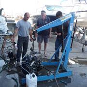 Rui präsentiert uns den reparierten Motor