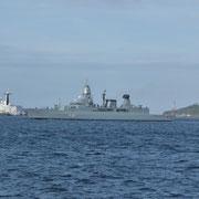 Die Fregatte Hessen im Hafen von Brest