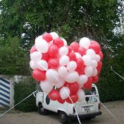 Komplettprogramm: Wir stellen das Objekt wie gezeigt zur Verfügung: Ca. 150 Ballone á 10'', Herzgröße ca. 220cm, den Bulli gibt's NICHT mehr. Anschließender Maßenstart der Ballone durch Öffnen des Netzes durch die Brautleute (Schnurzug). € 169,-