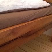 Bett aus 500 Jahre alter Eiche, gebürstet und geölt