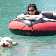 Da hat sie gut lachen: Die vielen Gratis-Fahrten ans Ufer hat sie sich aber auch redlich verdient.