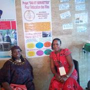 Rakia Kaba, de l'AIF étant déléguée du Tchad, et Anne Pelagie Yotchou au stand.