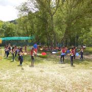 Colegio en la explicación de kayak en el Centro de Aventura de Sobrón