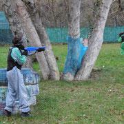 Paintball niños en el Centro de Aventura de Sobrón - Álava - Euskadi - País vasco
