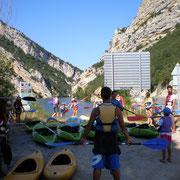 Kayak en el desfiladero del embalse de Sobrón
