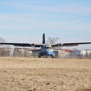 ehemaliges Übungsflugzeug der Flughafenfeuerwehr