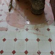 rebajar suelo de mosaico