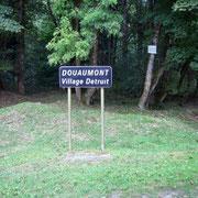 Das Namensschild, das an die ehemalige Ortschaft erinnert