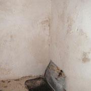 Küchenraum mit Öffnung zur Zisterne