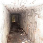 Im Inneren des Artillerieunterstandes