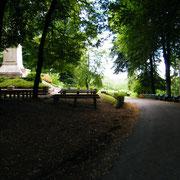 Auf dem Platz vor dem Monument werden viele Gedenkzeremonien abgehalten
