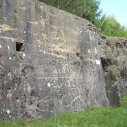 Die Vorderseite des Bunkers