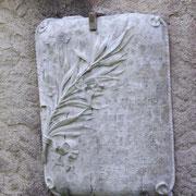 Tafeln die an einzelne französische Soldaten erinnern...