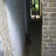 Seitengang zu den Bunkerräumen