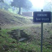 Dorfbrunnen - vor dem Krieg standen hier zwei Waschhäuser