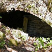 Ein typisches Lager. die Wellbleche dienten der Stabilisierung