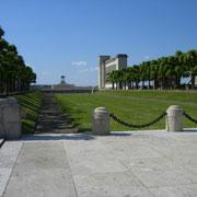 Ein sehr groß angelegtes Monument
