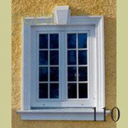 ecca Bild 110: Fassadenprofil mit Schlussstein und Fensterbank