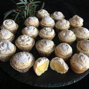 Zitronen Tartelettes mit Meringuehaube
