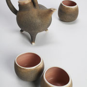 Hand-thrown porcelain tea set with bamboo lid 2013