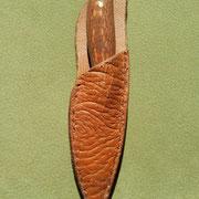 Nr.4/12, Griff: Pearlholz mit Wicklung und Kupferpins, gefütterte Rindslederscheide