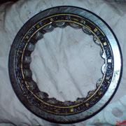 Das Rohmaterial, ein Kugellager einer Baumaschine, Durchmesser ca. 25cm